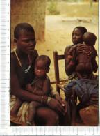 KENYA  -    Une Famille Indigène - Kenya