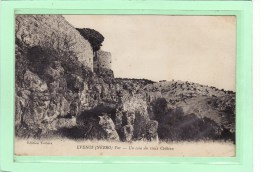 EVENOS (NEBRO) (83) / EDIFICES / CHATEAUX / Un Coin Du Vieux Château - Francia