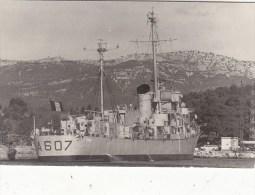 """CARTE-PHOTO 14./9.CM : ESCORTEUR """" SOMALI """"  TOULON LE 9/10/1964. B.ETAT."""