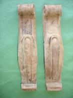 Ancien Bois Decoratif d� Ameublement: Paire de Chutes de Meuble en Bois, Decor Volute (14-2725)