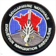 INSIGNE TISSUS PATCH DE LA GENDARMERIE NATIONALE ENQUETEUR IMMIGRATION IRREGULIERE VELCRO ETAT EXCELLENT