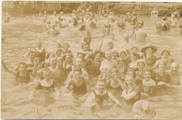 REAL PHOTO, ABBAZIA ,  Beach Children, Women, Men, Plage,enfants Hommes Femmes Se Baignent Croatia, Photo E. Jelussich - Children And Family Groups