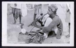 RPPC. Pakistan. *Snake Charmer* Circulada Karachi 1949. - Pakistán