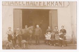 Carte Photo - Maréchal-Ferrant (ferrage D'un Cheval En Cours) Voir Borne à Eau Avec Blason De Macon (71) Pas Circulé - Macon