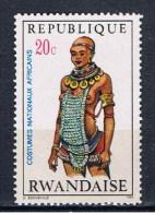 RWA+ Ruanda 1970 Mi 376 mng Tracht aus Ostafrika