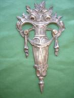 Ancien Bronze Decoratif D´ Ameublement: Decoration De Meuble En Bronze Argente, Decor De Roses, Art Deco (14-2727) - Mobili