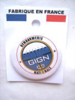 INSIGNE DE POITRINE (BADGE) DE LA GENDARMERIE NATIONALE LE GIGN  ETAT EXCELLENT