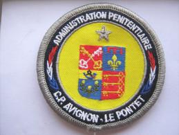 INSIGNE TISSUS PATCH ADMINISTRATION PENITENTIAIRE M.A  AVIGNON LE PONTET 84 VELCRO ETAT EXCELLENT