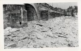 37 TOURS - CARTE PHOTO DE LA LOIRE GELEE EN DECEMBRE 1938   ( PHOTOGRAPHE  R . VIGNAULT 9 RUE DES HALLES )