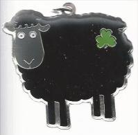 NL.- Sleutelhanger. The Black Sheep. Irish Collection. Keyring. 2 Scans - Sleutelhangers