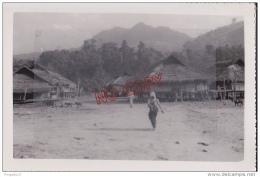 Au Plus Rapide Indochine Vietnam Tonkin Cases Sur Pilotis Pays Thaï 1953 Beau Format Excellent état - Lugares