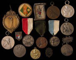 M01704 DIVERS PAYS 15 Médailles - TIR SCHOT SCHUSS TELL SEBASTIEN ARBALETE ARQUEBUSE - (274 Gr) - Médailles & Décorations