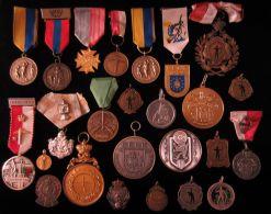 M01706 BELGIQUE 25 Médailles - TIR SCHOT SCHUSS TELL SEBASTIEN ARBALETE ARQUEBUSE - (518 Gr) - Belgique