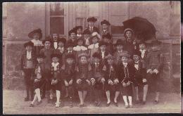 ENFANTS DEGUISES A SITUER CP PHOTO