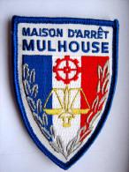 INSIGNE TISSUS PATCH ADMINISTRATION PENITENTIAIRE MAISON D'ARRET M.A DE MULHOUSE ETAT EXCELLENT SUR VELCRO