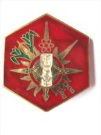 PEU COURANT INSIGNE ARMEE DE L�AIR ESCALE AERIENNE MILITAIRE POINTE A PITRE 971 ETAT EXCELLENT DRAGO PARIS