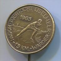 FIGURE SKATING - HOORN, WARDER, 1963. Netherlands, Pin, Badge - Skating (Figure)