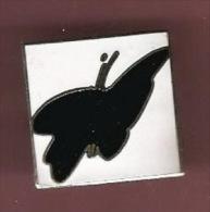 36546-Broche Epingle.logo En Forme De Papillon A Identifier.. - Marques