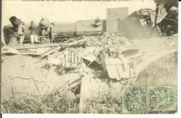 CPA  COUTRAS Machine Tamponneuse Gisant Sur Le Balast 10697 - France
