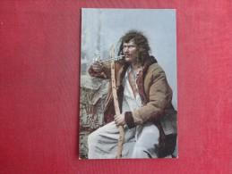 Smoking A Long Pipe Ref 1458 - Customs
