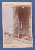 """Photo Ancienne - ALENCON ( Orne ) - Porche De L'Eglise - """" Aprés La Priére """" - Luoghi"""