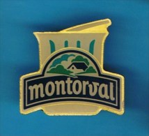 PIN´S //   . MONTORVAL YAOURT - Food