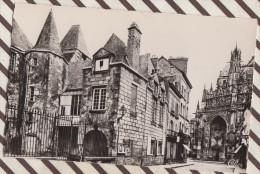 4AG652 ALENCON LE TRIBUNAL DE COMMERCE ET PORCHE DE L'EGLISE NOTRE DAME 2 SCANS - Alencon