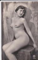 CPA  NU  Artistique  PHOTO  Jeune FEMME NUE Intégral  SEINS NUS  Cuisses Fesses - Nus Adultes (< 1960)