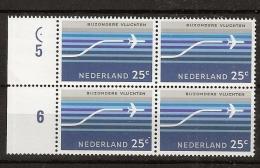 1966 Luchtpost Opstijgend Vliegtuig Blokje Van 4 Met Cilindercentreringspunt NVPH 15 Postfris/MNH/** - Plaatfouten En Curiosa