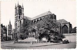 Gand: OLDTIMER AUTO/CAR/VOITURE  (Split Window) - Cathédrale St-Bavon - St-Baafshoofdkerk - Gent - (B) - Passenger Cars