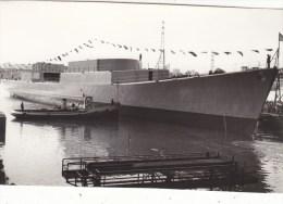 """PHOTO 13.8./8.8.CM : ESCORTEUR """" CDT. BORY """" EN CONSTRUCTION EN 1958. B.ETAT. CLICHE E.C.P.A."""