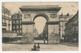 21 - Dijon           La Porte Guillaume et la Rue de la Libert�