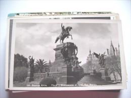 Argentinië Argentina Buenos Aires Plaza Y Monumento Al Gral San Martin - Argentinië
