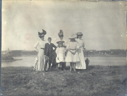 BRETAGNE - 22 - COTES D´ARMOR - SURRANCE - La Vicomté - 865 Habitants - 1907 - Famille à La Plage Photo Albuminée - Non Classés
