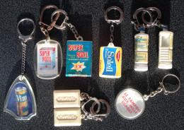 Collection De 9 Porte-clés Représentant Des Marques De Produit D´entretien - Key-rings