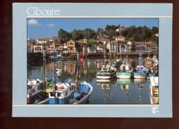 Ciboure Le Quai Ravel Et Le Port De Saint Jean De Luz - Ciboure