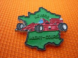 Pin's Ferrari  Magny-cours  Nevers Signe Beraudy/vaure - Ferrari