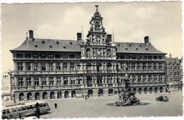 Antwerpen:  OLDTIMER AUTOBUS/COACH , CITROËN TRACTION AVANT - Stadhuis / Hotel De La Ville - Anvers - (B) - Toerisme