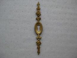 Laiton Serrure Pour Meuble / Coffre /armoire / Bureau   & - Bronzes