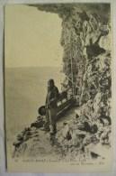 SAINT MORE Saint Moré Le Père Leleu Sur Sa Terrasse Cpa Ancienne Carte Postale 2 Scans Postcard - Andere Gemeenten