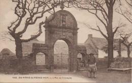 29 Ste-MARIE-du-MENEZ-HOM  - L'arc De Triomphe - France