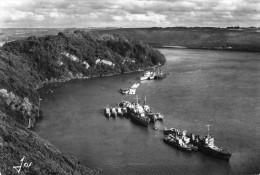 29 - LANDEVENNEC  - La Pointe De Penforn Et L'escadre Et Réserve à L'abri Dans L'anse . - Landévennec