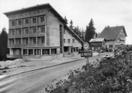 39 -  Le Sommet Du Col De La Faucille - Vue De L´hôtel . - France