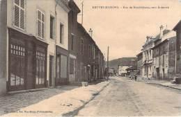 54 - Neuves-Maisons - Rue De Neufchâteau, Vers Le Centre (confection Bonneterie) - Neuves Maisons