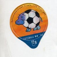opercule  de creme theme coupe monde football  hippopotame