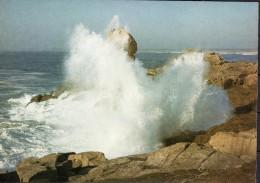 Bretagne Pittoresque  -tempête Sur La Côte - Bretagne