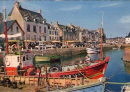 Le Croisic.. Animée.. Le Port.. Les Quais.. Bateaux De Pêche.. Chalutiers.. Commerces.. Voitures - Le Croisic