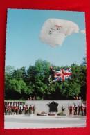 SENNECEY LE GRAND - 60e ANNIVERSAIRE DE LA LIBERATION. DEMONSTRATION DE SAUT EN PARACHUTE DEVANT MEMORIAL DES S.A.S. - France