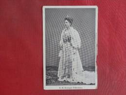 H.M. Koingin Wilhelminia   Chipping Right Border   Ref 1465 - Famous Ladies