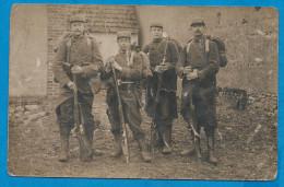 Carte Photo    Soldats Français En Tenue De Campagne Arme Et Sac - War 1914-18